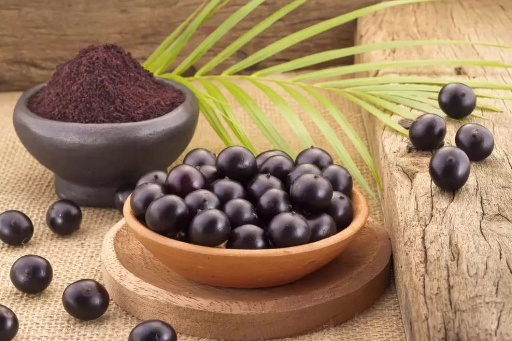 Acaibäret har en mild smak av nöt och kakao