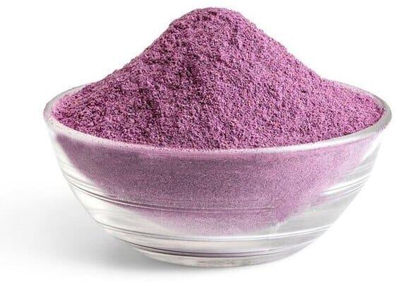 Blåbärspulver kan man ha i det mesta för att öka näringen och för att få ta del av alla nyttiga egenskaper som finns i pulvret