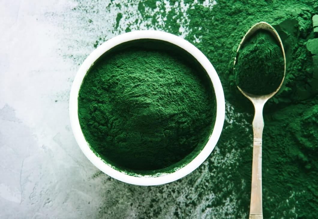 Spirulina har blivit mycket omtyckt som kosttillskott tack vare dess näringsrika innehåll